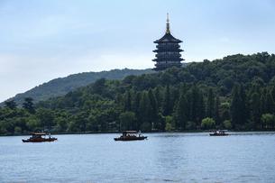 杭州 西湖風景の写真素材 [FYI04843159]