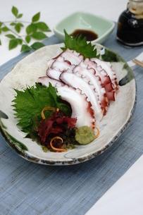 夏至 タコの刺身の写真素材 [FYI04843968]