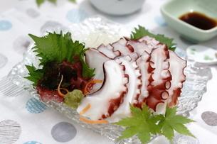 夏至 タコの刺身の写真素材 [FYI04843973]