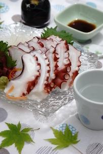夏至 タコの刺身の写真素材 [FYI04843978]