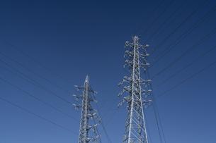 青空と鉄塔の写真素材 [FYI04844391]