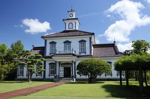 致道博物館の旧西田川郡役所の写真素材 [FYI04844965]