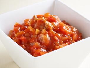 鶏肉とトマトの煮込みの写真素材 [FYI04845228]