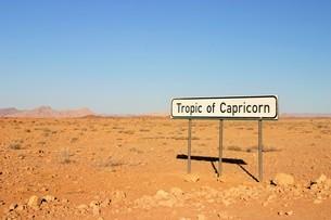 南回帰線の標識 in ナミビアの写真素材 [FYI04845574]