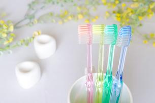歯ブラシ 歯磨きイメージの写真素材 [FYI04845717]