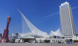 神戸のメリケンパーク(神戸ポートタワー、神戸海洋博物館、ホテルオークラ神戸)の写真素材 [FYI04846245]