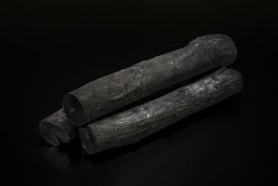 備長炭の写真素材 [FYI04847680]