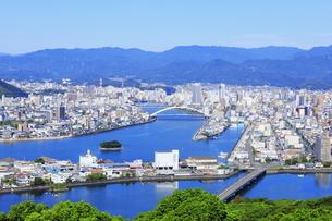 五台山展望台からの高知市街の写真素材 [FYI04848283]