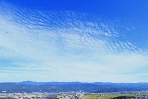 高知市の上のすじ雲の写真素材 [FYI04848285]