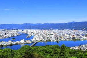 五台山展望台からの高知市街の写真素材 [FYI04848287]