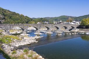 秋の耶馬渓橋の写真素材 [FYI04848388]