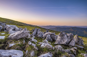 【自然風景】夜明けの四国カルストの写真素材 [FYI04848545]