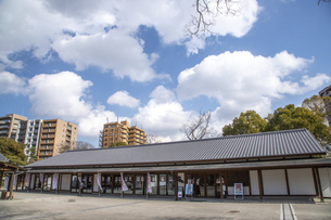 栗林公園・かがわ物産館の写真素材 [FYI04848605]
