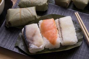 柿の葉寿司の写真素材 [FYI04848802]