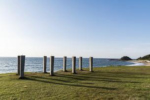 志賀島 海と青空と柱の写真素材 [FYI04849393]