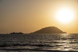玄海島の夕景の写真素材 [FYI04849395]