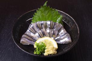 鹿児島郷土料理のきびなご刺しの写真素材 [FYI04849917]