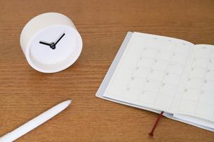 時計と手帳の写真素材 [FYI04851743]
