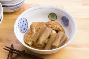 ずいきの炊いたんの写真素材 [FYI04851902]