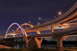 五色桜大橋の夜景の写真素材 [FYI04852212]