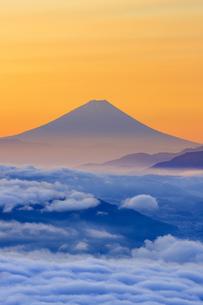 長野県 高ボッチ高原より富士山を望むの写真素材 [FYI04852561]