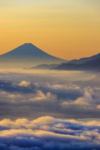長野県 高ボッチ高原より富士山を望むの写真素材 [FYI04852570]