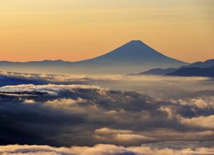 長野県 高ボッチ高原より富士山を望むの写真素材 [FYI04852574]