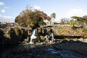 黄瀬川の流れる鮎壺の滝の写真素材 [FYI04853108]