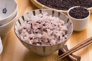 黒米ご飯の写真素材 [FYI04853497]