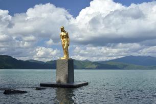 田沢湖 たつこ像の写真素材 [FYI04853605]