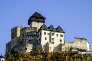 <ヨーロッパ>スロヴァキアのトレンチーン城の写真素材 [FYI04853889]