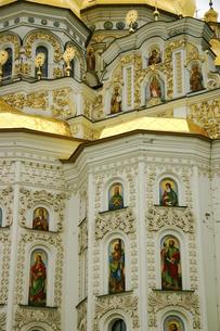 ウクライナの世界遺産キエフ・ペチェールシク大修道院の外壁の写真素材 [FYI04853890]