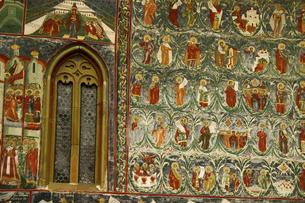 ルーマニアの世界遺産スチェヴィツァ修道院の外壁の写真素材 [FYI04853891]
