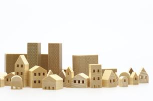 ビル 建物のミニチュア模型 白背景の写真素材 [FYI04853946]