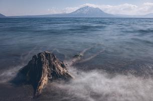 夏の支笏湖の写真素材 [FYI04854046]
