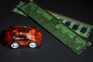 【EV】電気自動車と半導体 テクノロジーの写真素材 [FYI04854582]