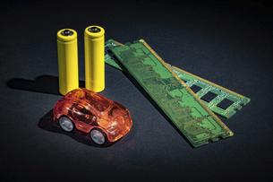 【EV】電気自動車と半導体 テクノロジーの写真素材 [FYI04854712]