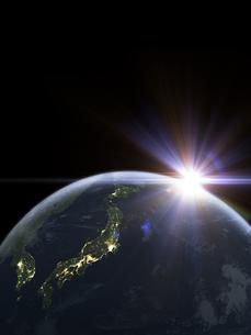 太陽と夜間の日本を主体の地球のイラスト素材 [FYI04855102]