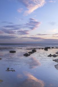 礼文島からの夕景の写真素材 [FYI04856060]