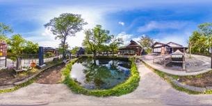 新緑の忍野八海・VR写真の写真素材 [FYI04856390]