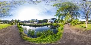 新緑の忍野八海・VR写真の写真素材 [FYI04856392]