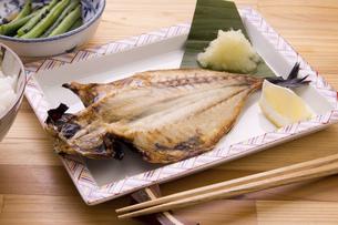 あじ開きの焼き魚の写真素材 [FYI04856700]