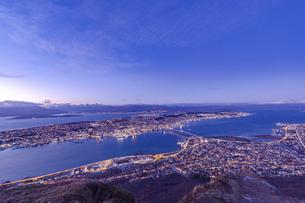 ノルウェー トロムソの夕景の写真素材 [FYI04857066]