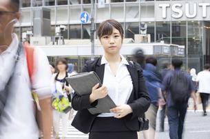 新入社員の通勤・就職活動イメージの写真素材 [FYI04858033]