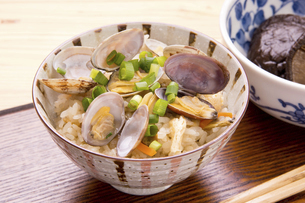 あさりの炊き込みご飯の写真素材 [FYI04858437]