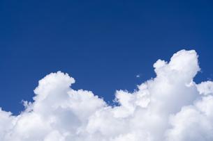 積乱雲と青空の写真素材 [FYI04859318]
