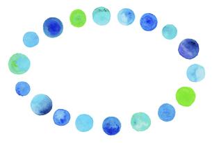 水彩の水玉模様 【楕円形の装飾枠】のイラスト素材 [FYI04859719]