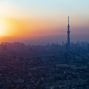東京の夕方(東京スカイツリー)の写真素材 [FYI04862280]