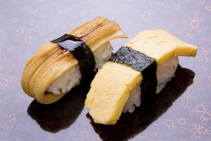 にぎり寿司 穴子と玉子焼きの写真素材 [FYI04863502]