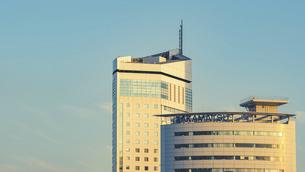 【香川県 高松市】高松港周辺の建造物 サンポート高松の写真素材 [FYI04864896]